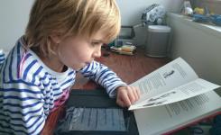 Anderslezen: kind dat leest